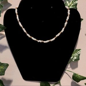 ☆ White and Gold Seed Bead Choker ☆